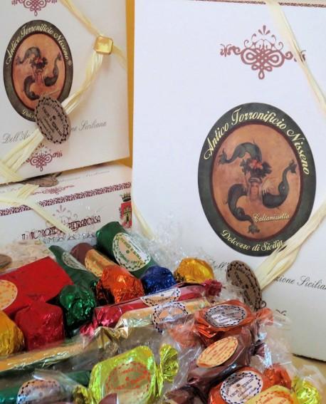 Scatola in cartone con torrone misto gr 400 - Antico Torronificio Nisseno